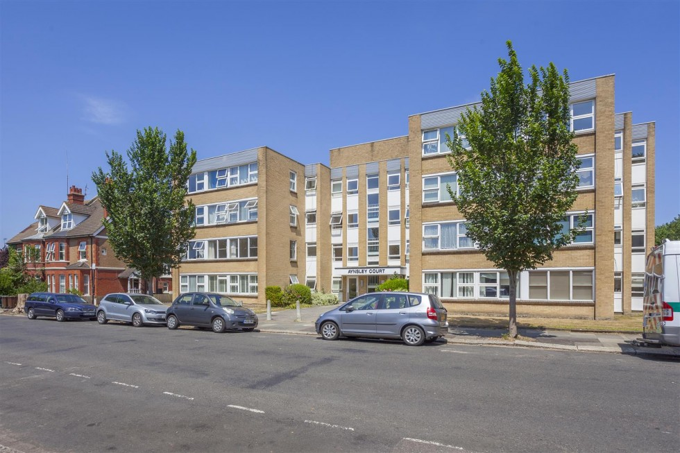 Images for Wilbury Avenue, Hove EAID:lextonsapi BID:1