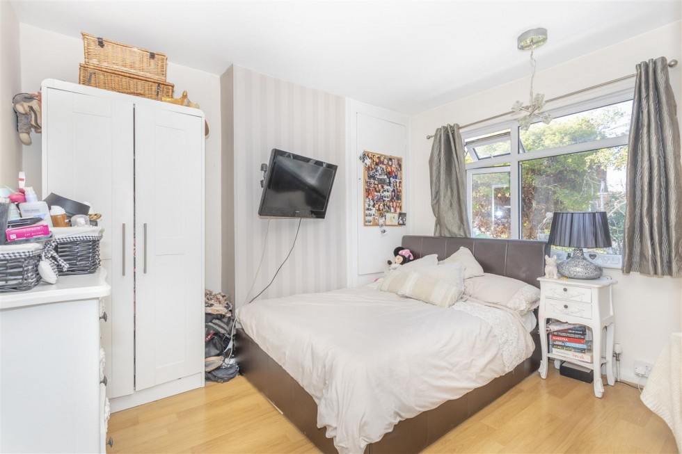 Images for Fallowfield Close, Hove EAID:lextonsapi BID:1